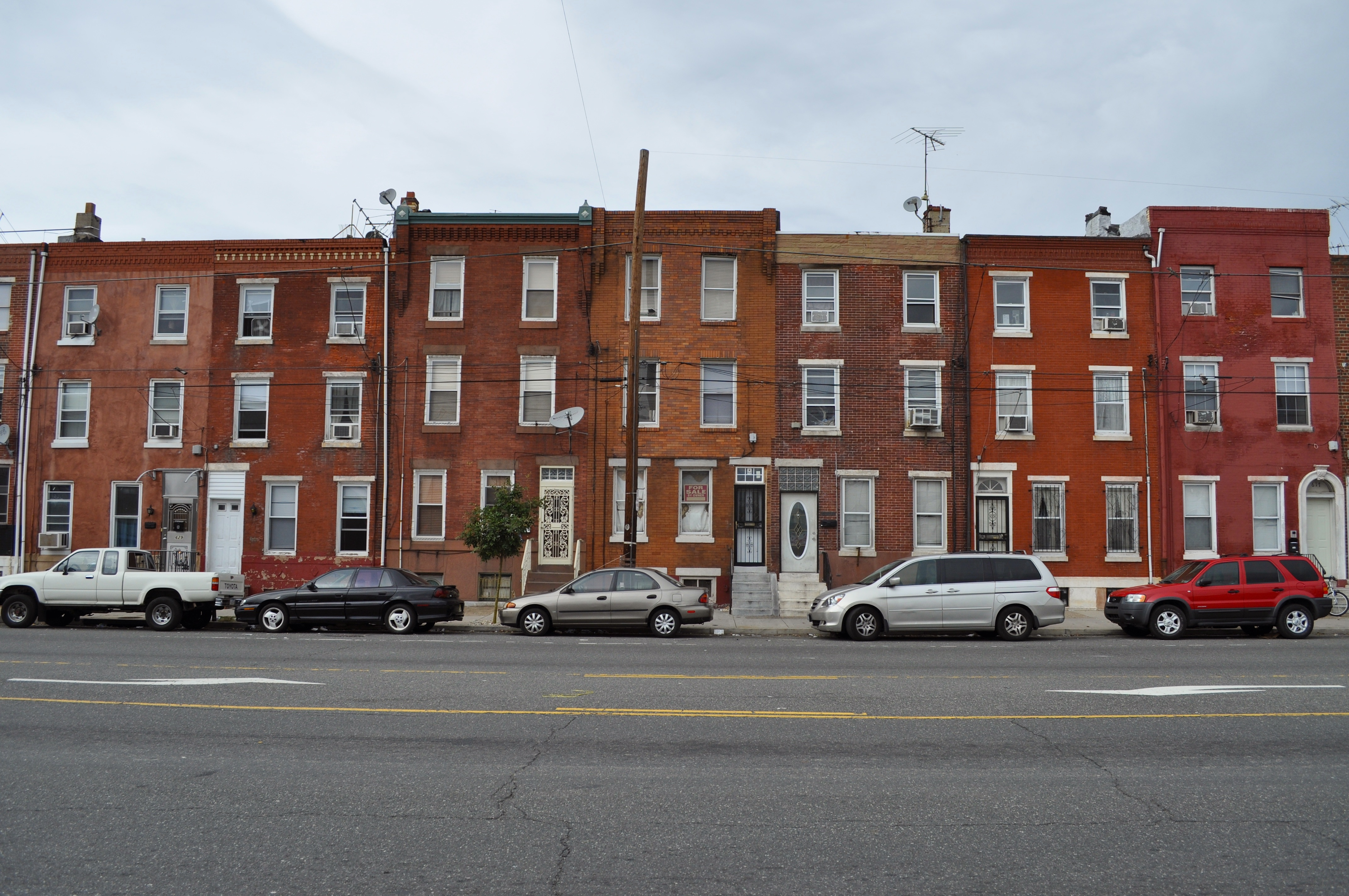 Why Are Philly Neighborhoods So Ugly Philadelphia Penn Apartments Power Lines Houses